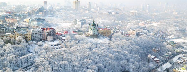 Андреевская церковь в снегу