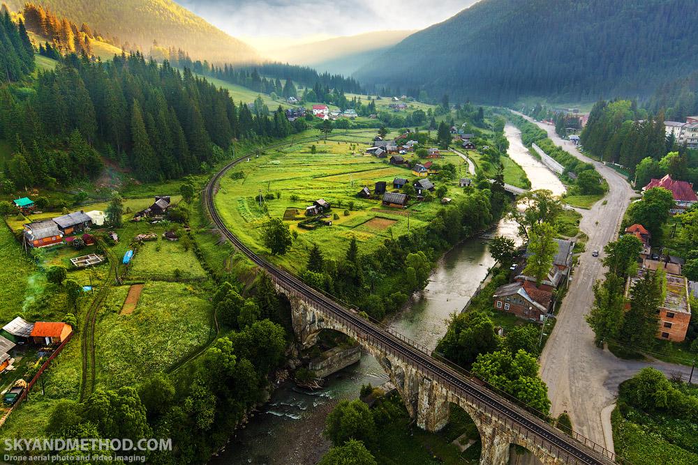 IMAGE: https://skyandmethod.com/wp-content/uploads/2017/12/IMG_1040_Carpathians_skyandmethod.com_.jpg