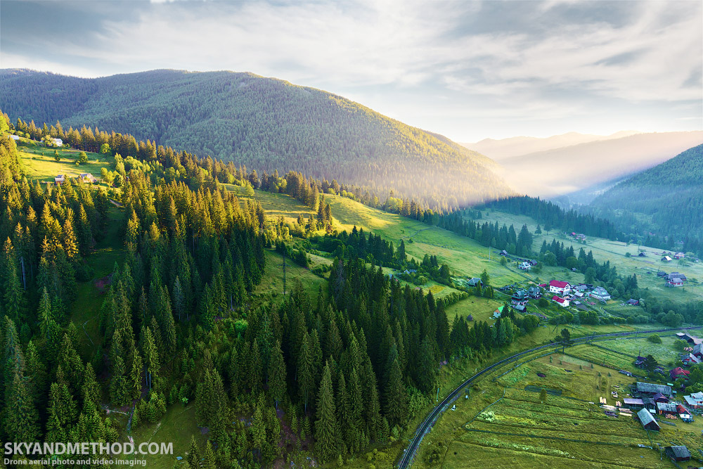 IMAGE: https://skyandmethod.com/wp-content/uploads/2017/12/IMG_1055_Carpathians_skyandmethod.com_.jpg