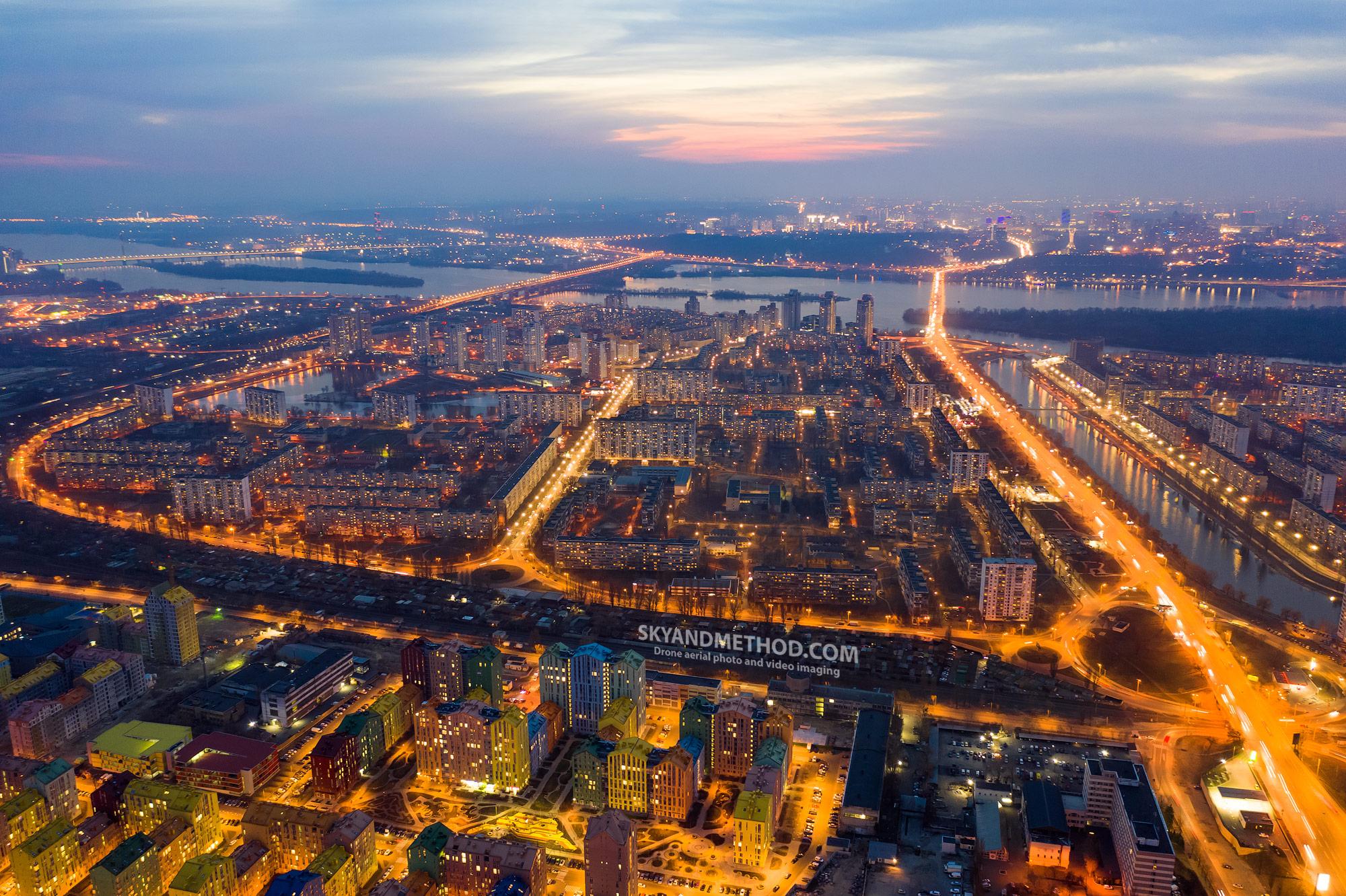 Ночной Киев с высоты. Березняки
