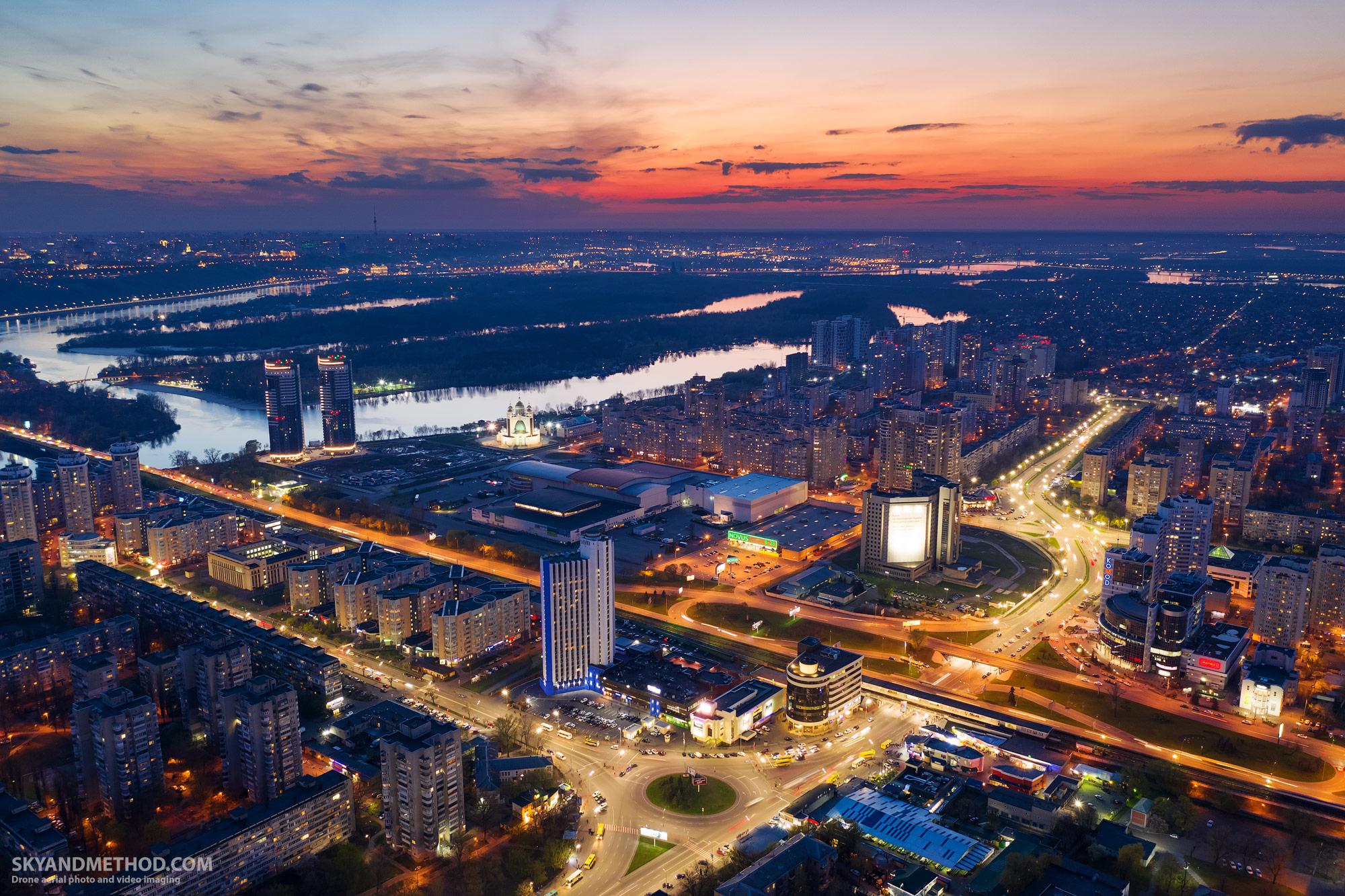 Ночной Киев с высоты. Левобережная
